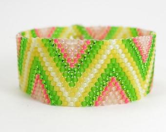 APPLETINI Peyote Bracelet, Bead Weaving, Zig Zag Seed Bead Bracelet, Seed Bead Jewelry, Peyote Bracelet Chevron Pattern, Hand Beaded Jewelry