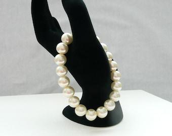 nbs-Ivory Pearl Stretch Bracelet