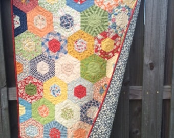 Quilts / Gender Neutral Baby Quilts / Baby Quilts / Quilt / Boy Quilts/ Girl Quilts /Hexagon Quilt /Baby Shower / Crib / READY TO SHIP