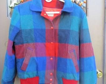 vintage Pendleton wool plaid womens jacket 1970's   SIZE  MED