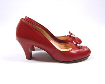40s 50s Red Leather Peep Toe Pumps // Size 7M - Red Leather Heels - 40s Red Heels - 50s Peeptoe Pumps