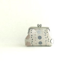 Coin Purse Frame Mini Pouch Mini Jewelry Case with Ring Pillow - Lined Dots