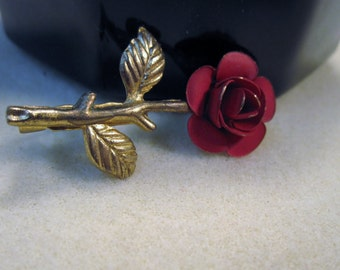 Vintage Red Rose Pin    No.114