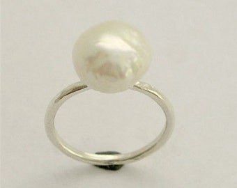Simple Silver Ring, sterling silver ring, white pearl ring, delicate ring, single pearl ring, fresh water pearl - Young love code - R1533