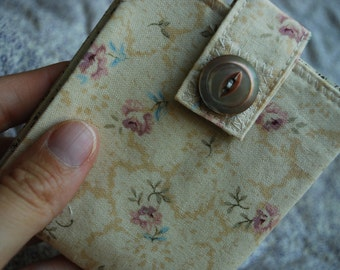 Slim billfold wallet - soft cream roses - coin pocket FREE SHIPPING