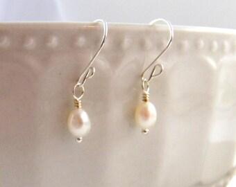 Simple Pearl Earrings Dainty Pearl Earrings Bridal Earrings White Pearl Earrings Wedding Earrings Bride Bridesmaid Wedding Jewelry