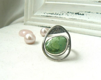 Oxidized Sterling Silver Ring with a freeform Turquoise Gemstone - Jewelry 925 - Size 8.5
