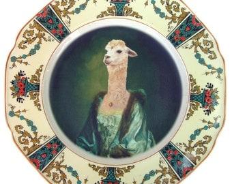 "Imperatrice Vicugna - Altered Vintage Plate 9"""