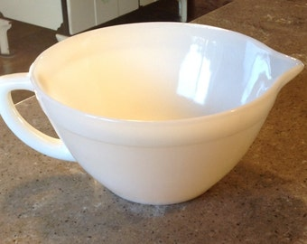 Fire King Ivory Glass Vintage Batter Bowl with Spout