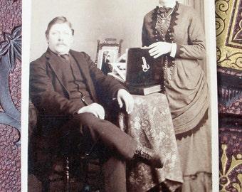 Carte de Visite CDV Photo Card - Couple Down Memory Lane