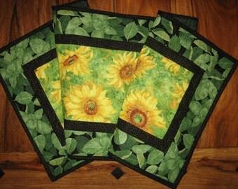 Yellow Sunflowers Quilted Tablerunner, Summer Table Runner, Bright Sunflowers Runner, Sunflower and Leaves Table Runner, Handmade