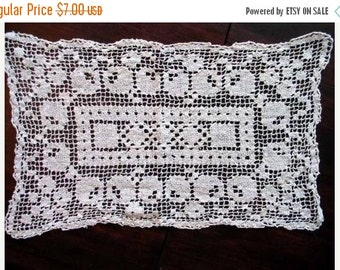 Filet Lace Off White Crocheted Doily 1663