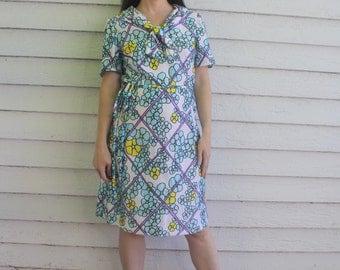 60s Floral Dress White Print Short Sleeve Casual Vintage 1960s Hippie Mod S