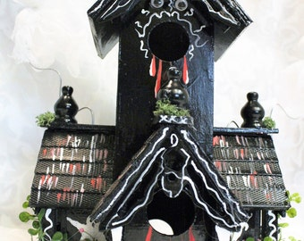 Haunted House Hallowen Display- Ghosts - Haunted Bird House