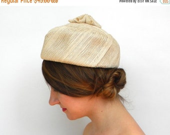 SummerS SALE Vintage Hat 60s Ivory Pillbox Hat | Woven Hat with Flower