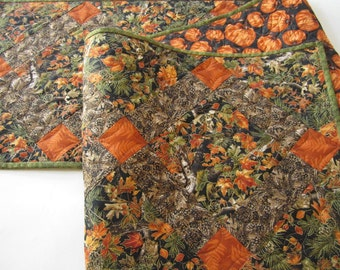 Quilted Table Runner, Handmade Table Runner, Fall Table Runner, Pine Cones, Orange, Table Decor, Nature, Home Decor, Leaves, Autumn