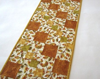 Fall Table Runner, Quilted Table Runner,  Handmade Table Runner, Autumn Leaves, Oak Leaves, Rust, Green, Gold, Home Decor, Tablerunner, Fall