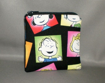 Coin Purse - Gift Card Holder - Card Case -Small Padded Zippered Pouch - Mini Wallet - Peanuts - Charlie Brown