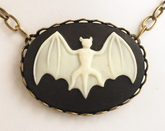 Bat Cameo Pendant Necklace / Pick Your Length / Halloween Lover Gift Costume Cosplay Gothic Steampunk Womens Pirate Victorian Goth Focal