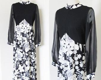 "Vintage 1960's Mod Floral Dress / Long Maxi  60's 70's Black & White Print Dress Full Length Dress / Size Medium 38"" Bust"