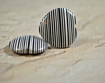 Black and white striped heart shaped ceramic discs, 35mm - #195