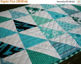 CIJ SALE Teal Table Runner Turquoise Aqua Quilted Triangles Chevrons Quiltsy Handmade Quilted FREE U.S. Shipping