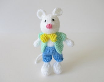 Pippin the Mouse toy knitting patterns