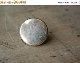 SALE antique round photo locket / 1920s locket / THE STING