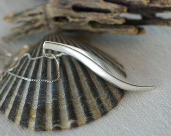 Vintage Sterling Silver Modernist Drop Pendant Necklace 18 inch Sterling Silver Chain  .....5111
