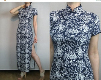 SUMMER SALE 80s COTTON Maxi Cheongsam vtg Navy White Foral Leaf Vine Leaves Vines Asian Chinese Mandarin Short Sleeve Wiggle Dress xs Small