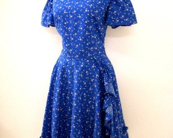 Vintage 50s Blue Day Dress with Metal Zipper - Blue Full Skirt Rockabilly Dress - Blue Floral Cotton Calico 1950s Dress - Medium to Large
