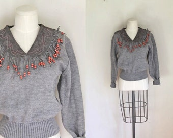 50% OFF...last call // vintage fringed sweater - BEADED FRINGE suede patch gray pullover / s