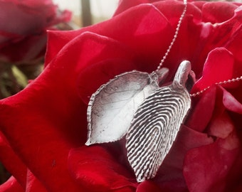 Sterling Silver Triple Leaf Pendant - Personalized Fingerprint and Handwriting – Memento – Gifts for Ladies, Moms, Grandmas