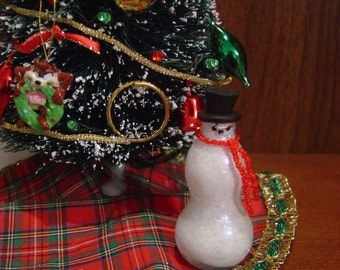 Dollhouse Glass Bottle Snowman Christmas decoration 1:12 Scale