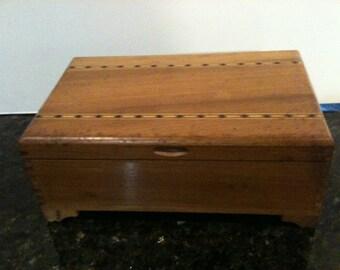 Vintage Wooden Jewelry/Trinket Box