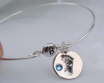 Baby Feet Charm Bracelet, New Mom Jewelry, Baby Initial Bracelets, New Mother Gift, Baby Birthstone Bracelet, Baby Foot Bangle Bracelet