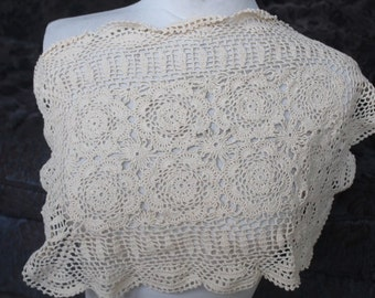 Cute crochet flower applique ivory color 18 inches long 11 inches wide