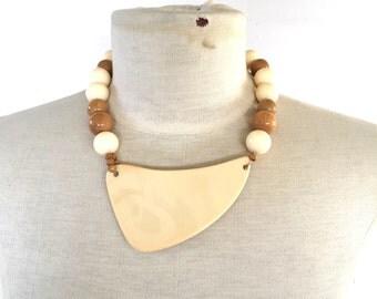 mod resin amoeba pendant and wood necklace artist bohemian collar bib choker 80s vintage abstract