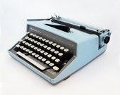 1960s Remington Travel-Riter Portable Typewriter with Carrying Case