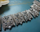 Vintage Rhinestone Heart emblem stretch bracelet links art deco