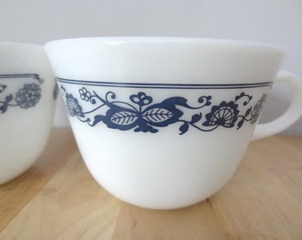 2 Pyrex Mugs Old Town Blue Onion