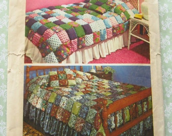 Vintage 1970's Puff Quilt Coverlet for Twin and Full Size Beds and Puff Pillow UNCUT Simplicity 5950