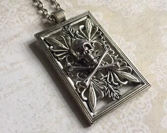 Silver Death - short necklace
