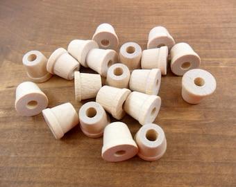 "Wood Flower Pots Unfinished Wood Miniatures 1/2"" H x 5/8"" W - 25 Pieces"