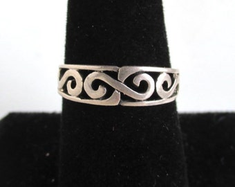925 Sterling Silver Ring / Band - Vintage, Size 8 - Filigree Design