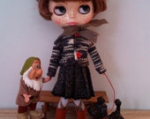 Outfit for neo Blythe and Pullip: knitted cardigan and a tweed pleated skirt