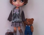 Outfit for neo Blythe and Pullip: knitted cardigan, top and skirt
