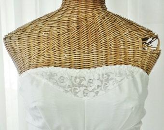 Wynette for Valmont White Lace Strapless Bra Vintage Unworn Size 40