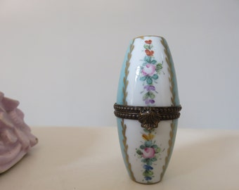 Delicate French Porcelain Ring Box