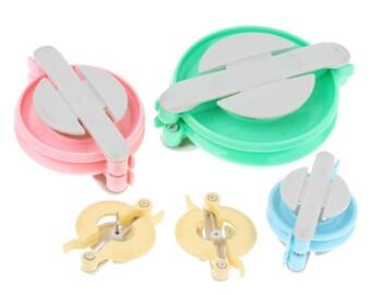 "ON SALE - 4 pcs. Plastic Knitting Pom Pom Loop Tool Maker Kit Set  - 10.2cm x 8.3cm (4""x 3.25"") to 5cm x 3.3cm (2"" x 1.3"")"